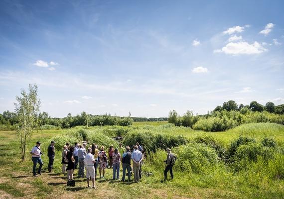 In opdracht van Waterschap AA & Maas- Vitalzone & RWZI organiseerden wij op 5 juli '18 de bijeenkomst: op weg naar een drinkbare Maas. De gasten werden rondgeleid over RWZI terrein, langs de vistrap Crevecouer en luisterden geboeid naar Li-Ann Phoa.