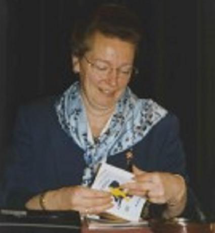 Marina van Maaren tijdens een jaarvergadering van KNBLO-NL in 1999