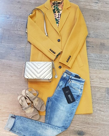 Yellow Coat #giacomo bag #replay blouse #maisonscotch jeans #drykorn #heels #nerogiardini