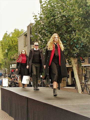 #ossfashionweek #red & #black #fashion #winteriscomming
