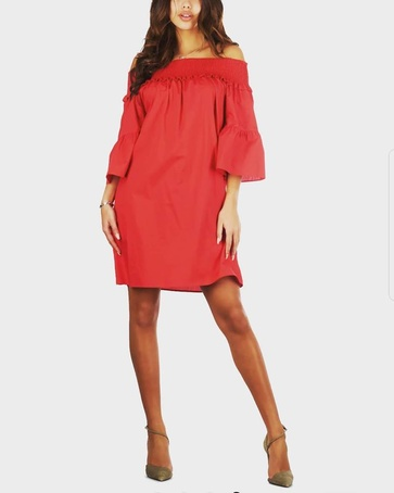 Strapless dress in red,