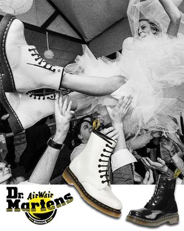 Witte Dr.Martens op je bruiloft! Hoe cool is dat!